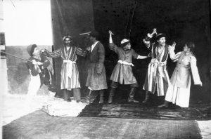 """""""Ажал ордуна"""". Сцена из спектакля 1938 год"""