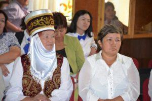 Каримова Турумкан Абдырахмановна (в элечеке) и Темирбекова Чолпон Асановна
