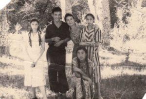 Лиля с братом и сестрами Чокоевыми